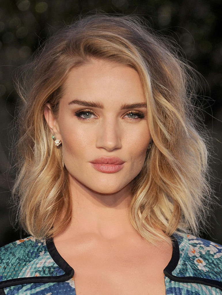 f464b203487 Rosie Huntington-Whiteley has been spotted enjoying the sunshine in Italy  on the Amalfi Coast and most definitely hasn't been afraid to show off  snaps from ...